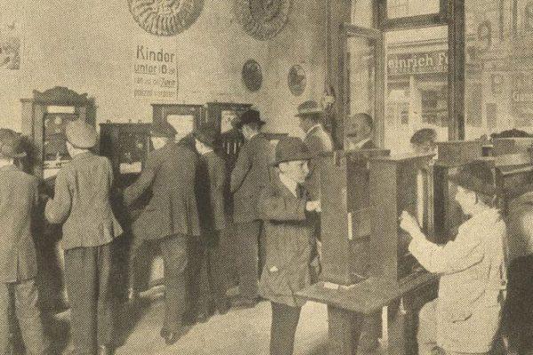 Spielhalle in Berlin um 1919
